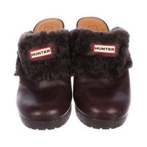 HUNTER  Leather Round-Toe Mules
